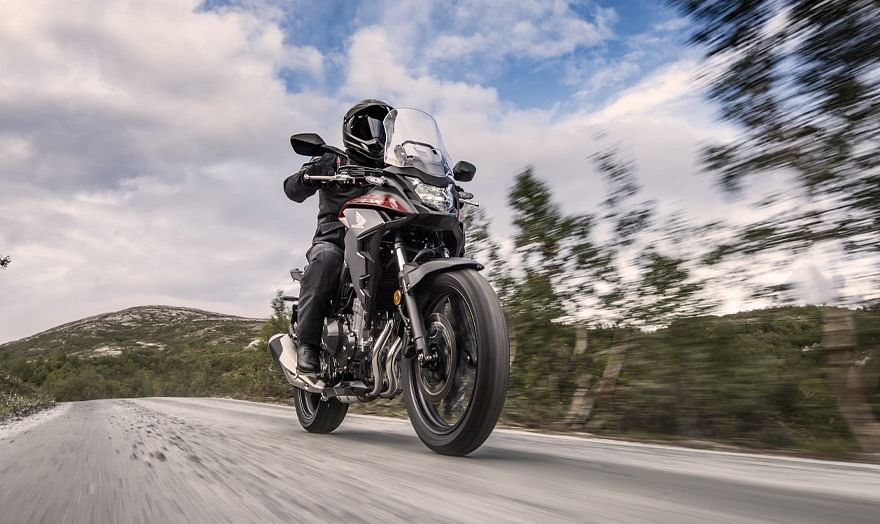 The CB400X gets a low saddle height of just 800mm