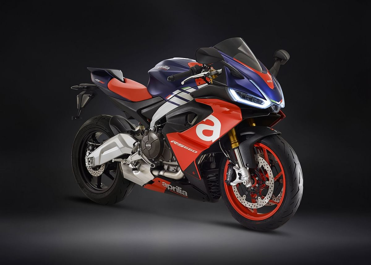 An initial image of the highly anticipated Aprilia RS 660. We expect the smaller displacement bikes to bear resemblances to this styling.