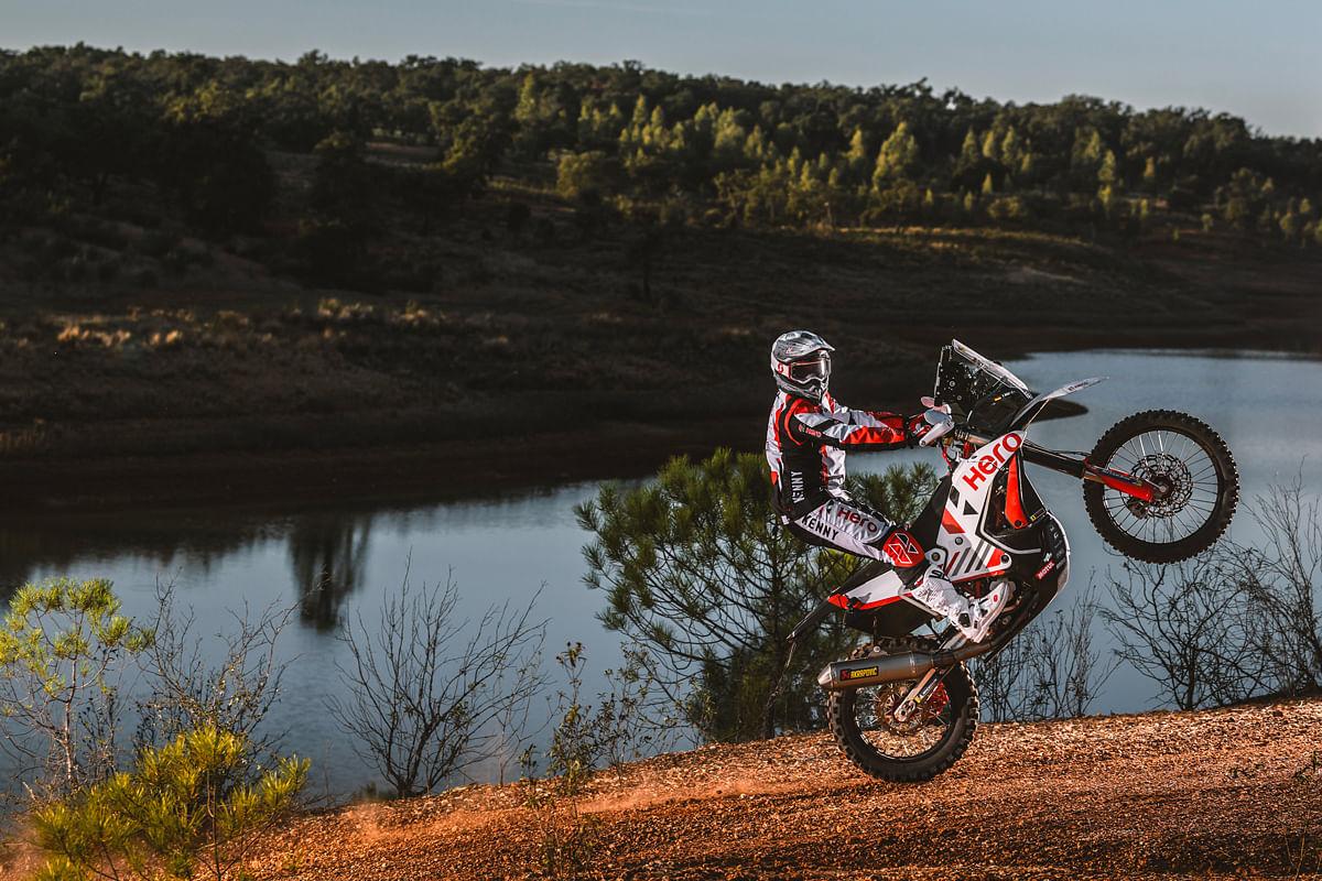 It seems like Dakar riders love posing