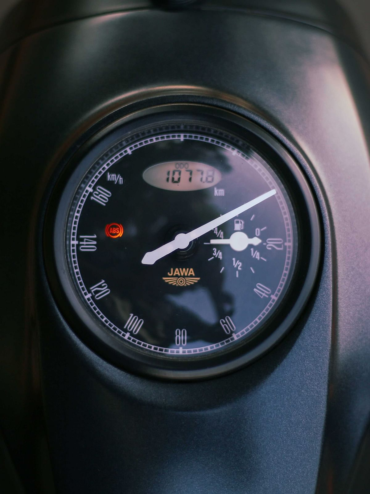 Anti-clockwise speedometer makes it difficult to read speeds between 60-100kmph
