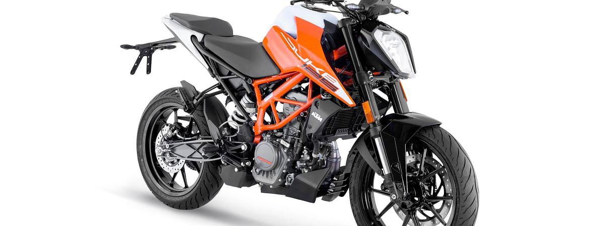The KTM 125 Duke gets the new platform based on the MY17 390 Duke