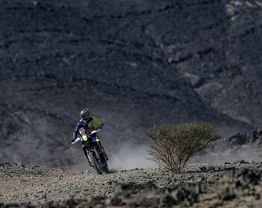 Harith seemed down on luck in the fourth stage of the 2021 Dakar