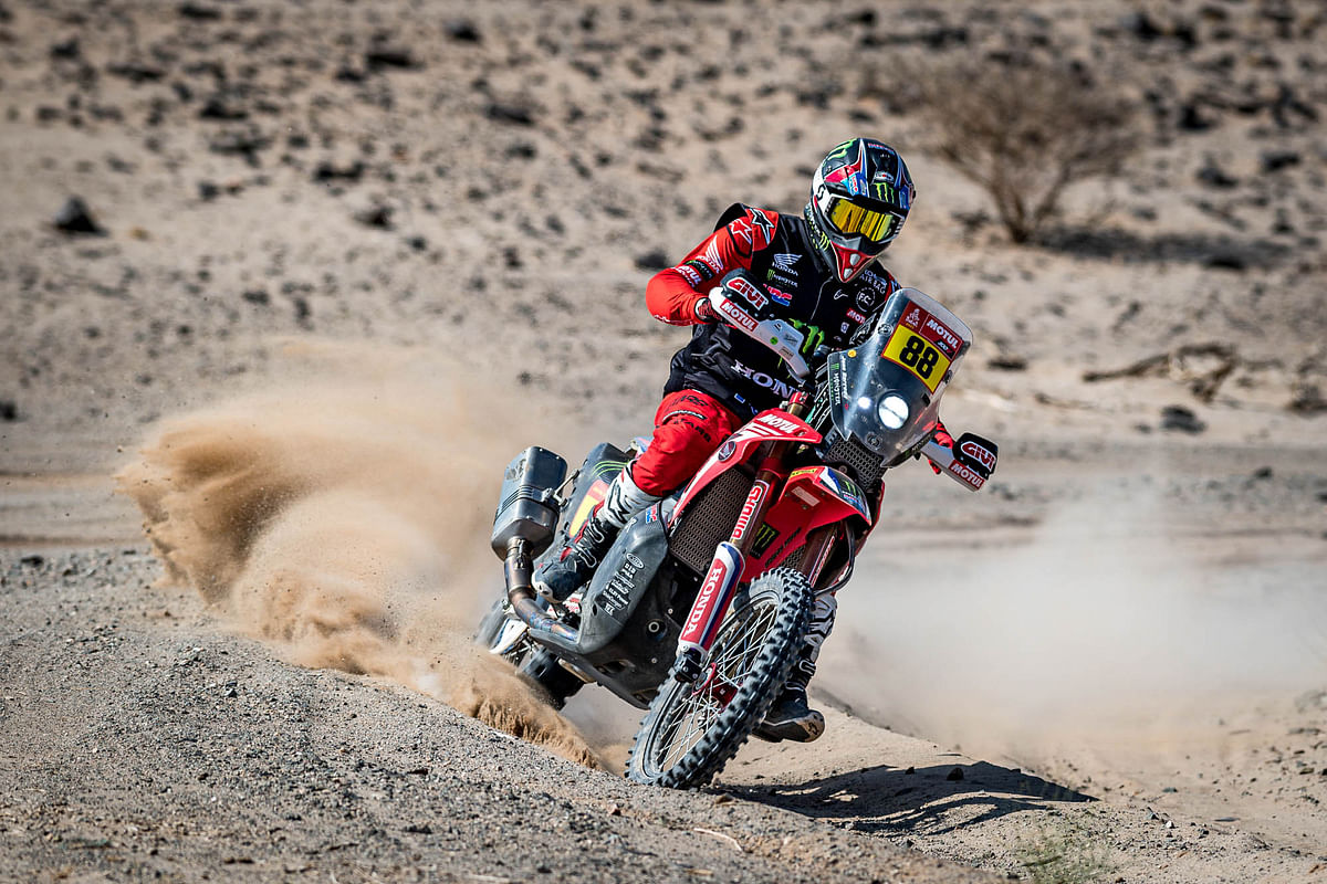 Dakar 2021 Stage 5 | Kevin Benavides leads the stage