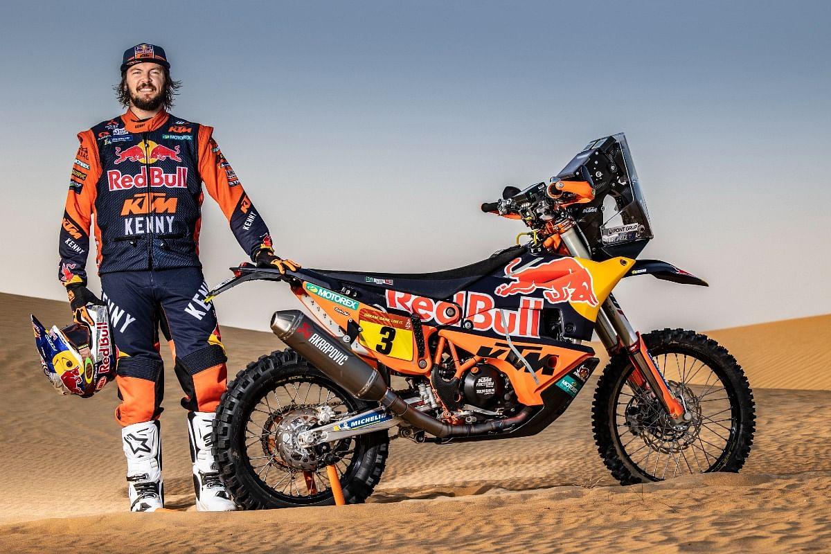 With a broken wrist, Toby won the 2019 Dakar
