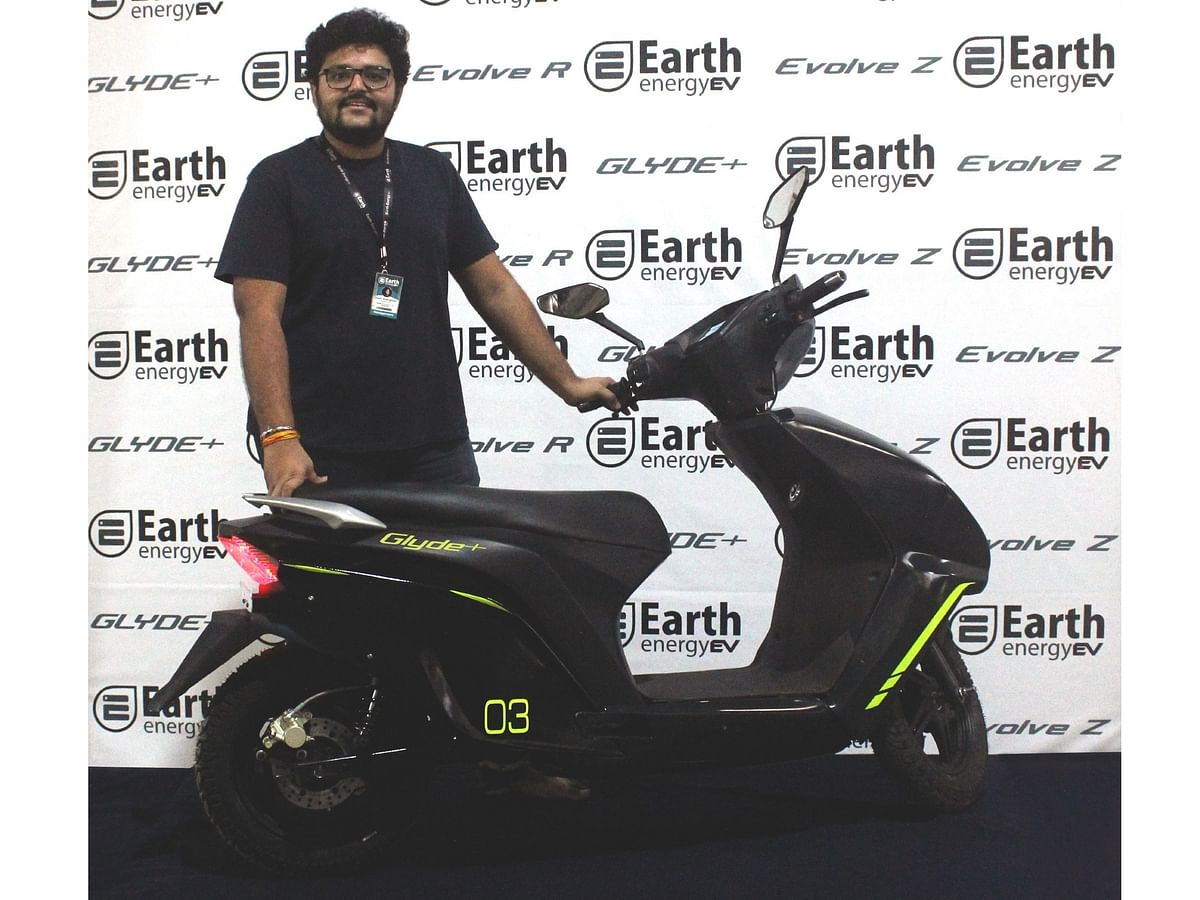 Earth Energy debuts with three electric two-wheelers