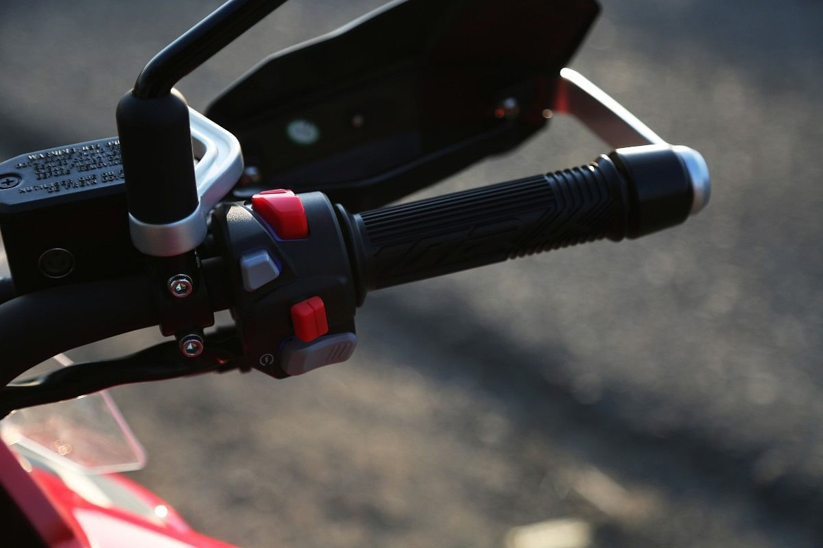 The BS6 TRK 502 gets backlit switch gear and knuckle guards with aluminum reinforcement