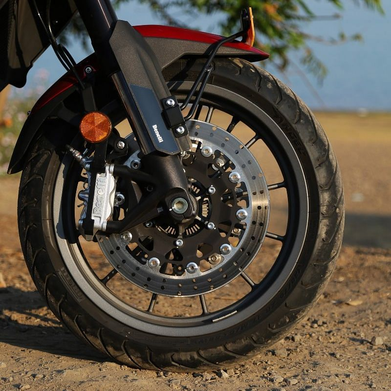 The brakes offer a good amount of bite and feedback evenly through the entire squeeze of the brake lever