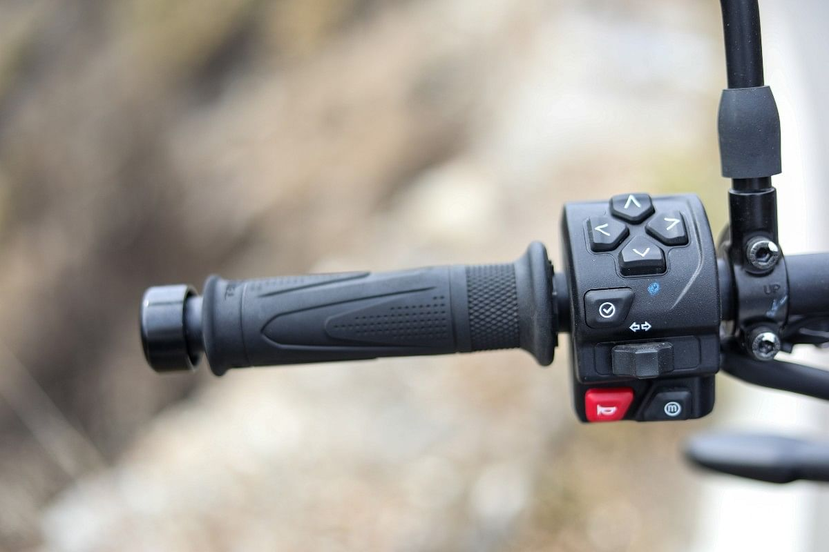 The Trident 660 gets the optional My Triumph connectivity system enabling GoPro and smartphone connectivity