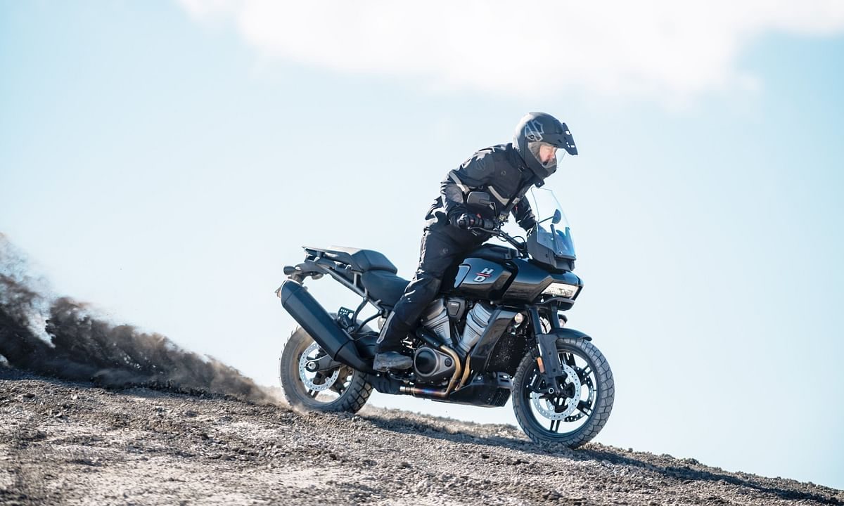 Harley-Davidson Pan America 1250 vs BMW R 1250 GS Specification Comparison