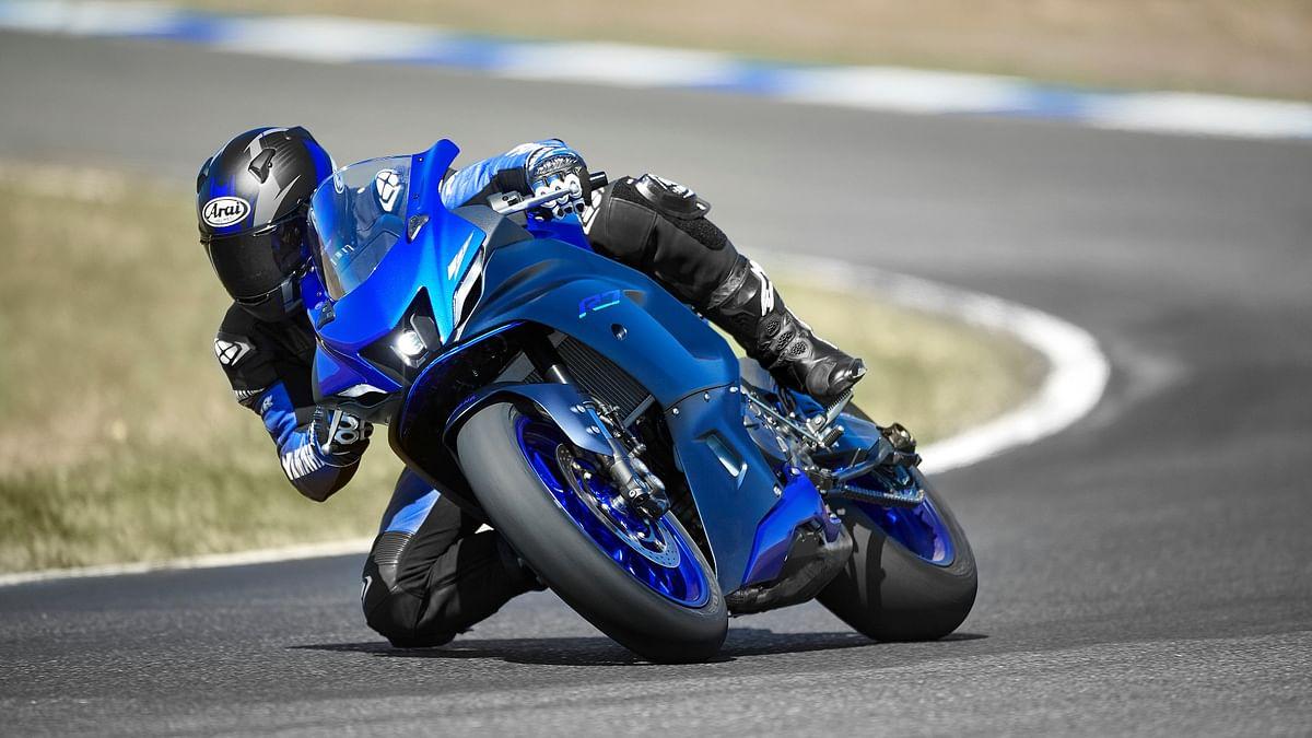 2021 Yamaha R7 unveiled