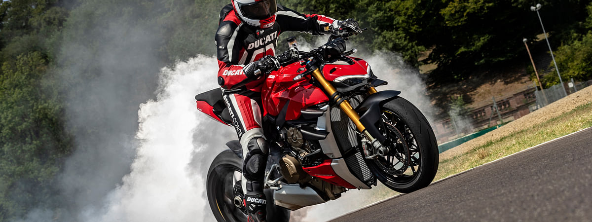Shredding rubber on the Ducati Streetfighter V4 S