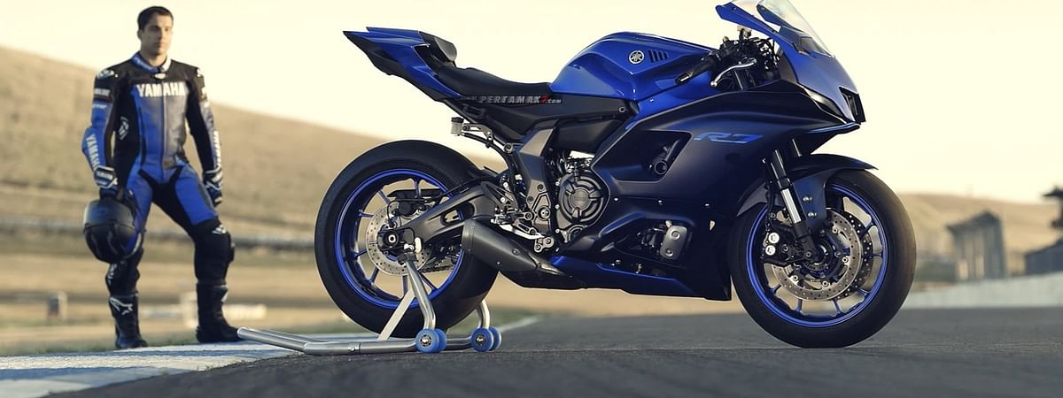 Yamaha YZF-R7 retains much of the R6's design