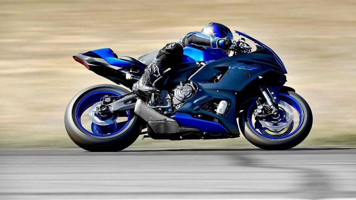 Yamaha R7 gets fully adjustable KYB USD forks