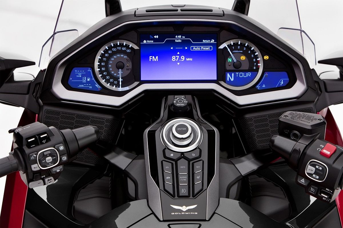 2021 Honda Gold Wing dash
