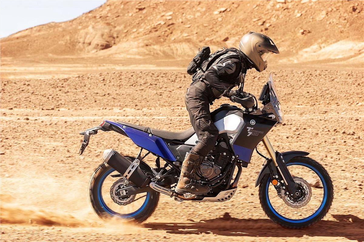 Longer swingarm connected to high pivot point in Yamaha Tenere 700 prevents squatting under accelereation