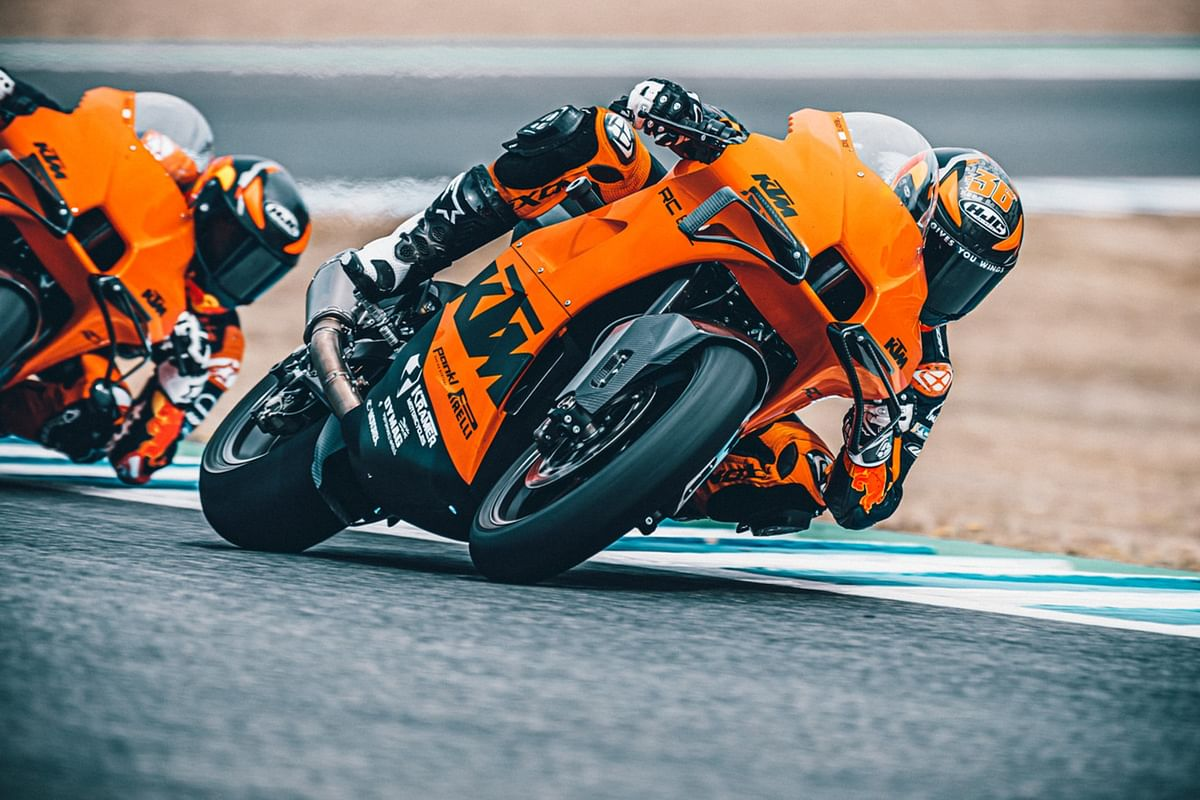 The KTM RC 8C in action