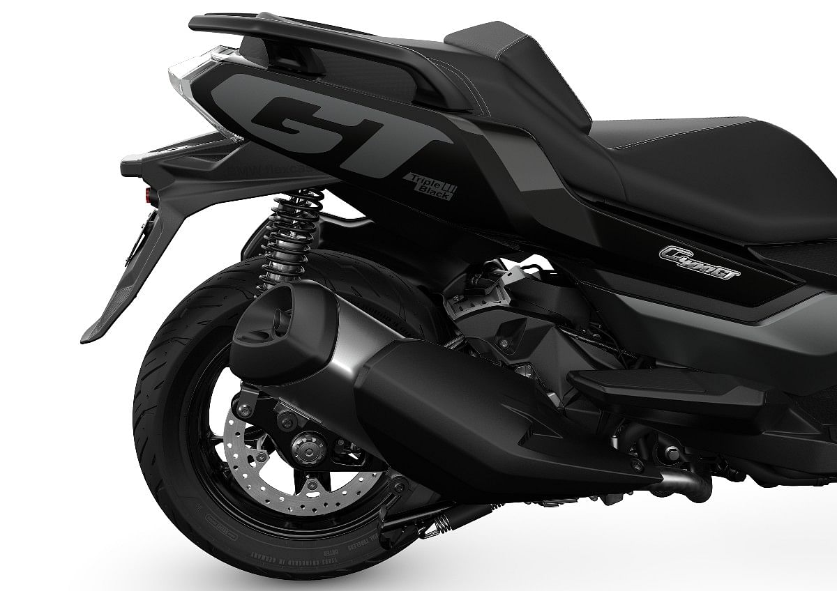 The 350cc engine has been optimised to comply with Euro 5 emission norms
