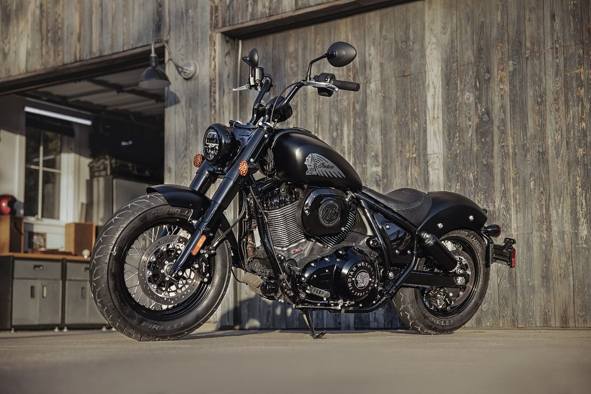 The Bobber Dark Horse sports 16-inch Blackn Wire wheels on both ends