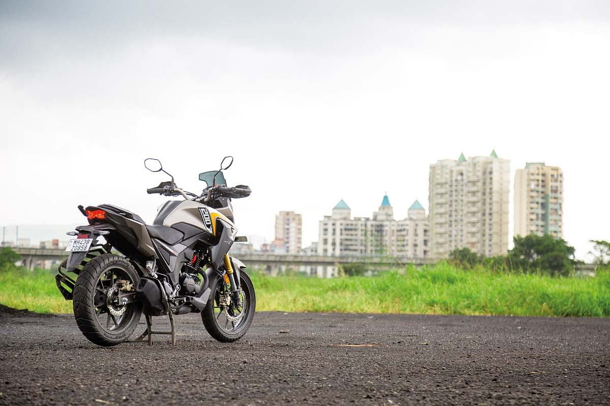 The rear end of the Honda CB200X is identical to the Hornet 2.0