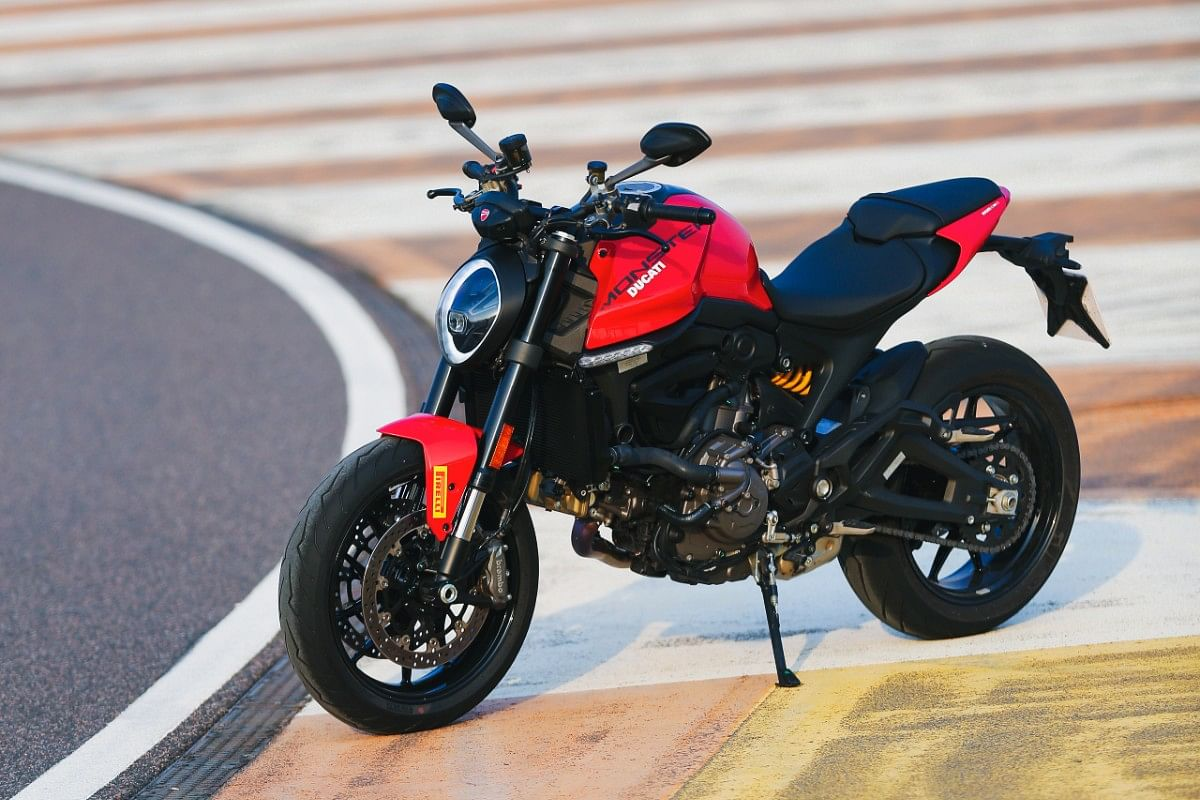 The 2021 Ducati Monster follows the retro route in terms of desgin, but it adds a futuristic touch as well