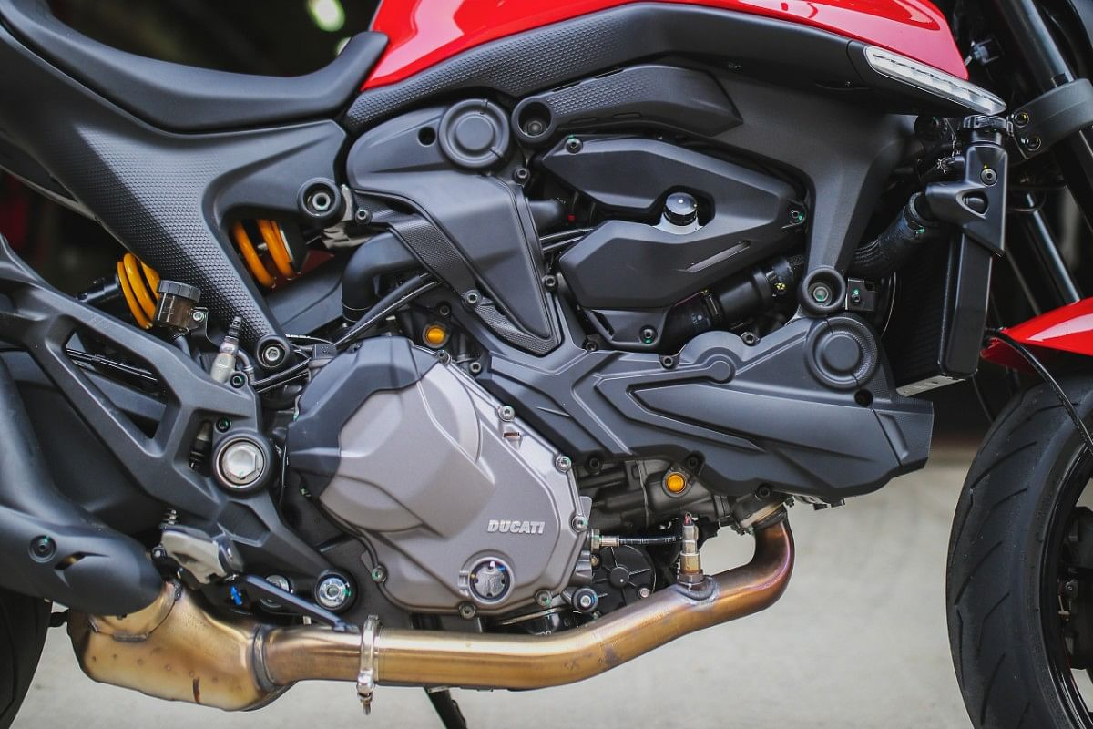 The 937cc Testastretta L-twin motor comes from the Supersport 950 and the Multistrada 950