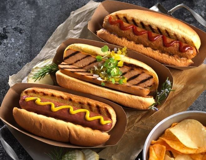 Made using a pea and potato protein base, the Sweet Earth Vegan Jumbo Hot Dogs deliver an authentic hot dog experience and grill beautifully or sizzle satisfyingly in a skillet, making them the flavorful vegan and sustainable swap for the summer.