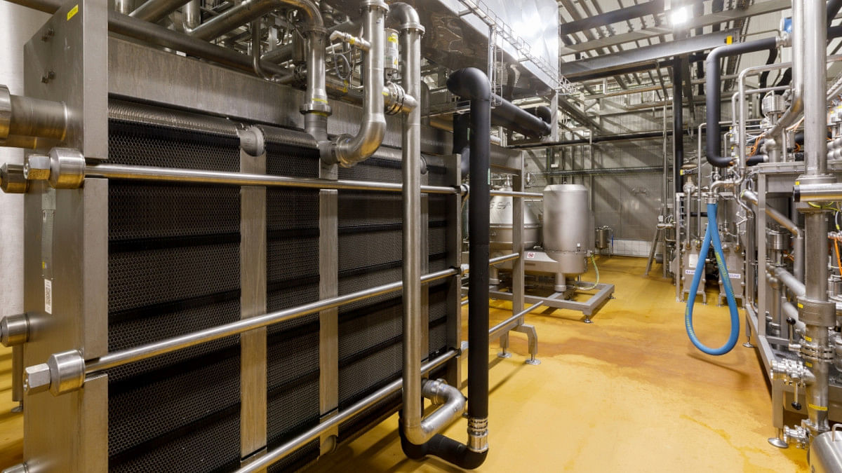 A view inside the new Madeta cheese production area with cutting-edge processing technology from GEA