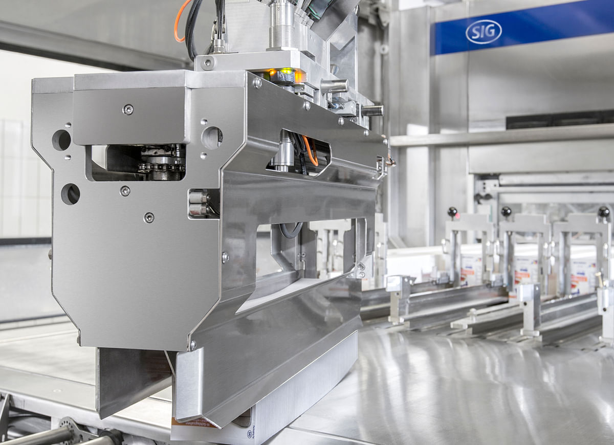 SIG helps f&b manufacturers with its next-generation robotic sleeve magazine