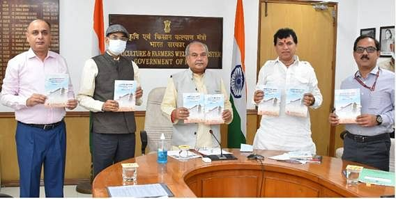 """<div class=""""paragraphs""""><p>Union Minister Narendra Singh Tomar released a booklet based on the compilation of programs and activities of the festival.</p><p><br></p></div>"""