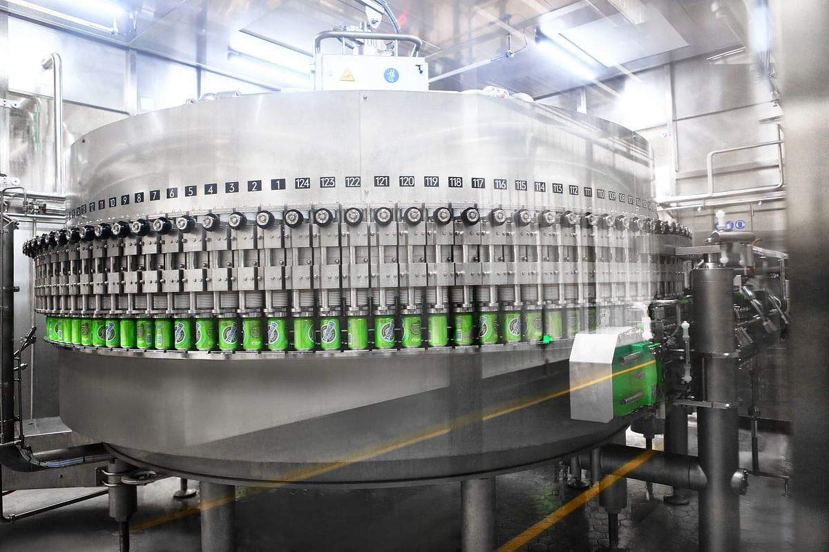 """<div class=""""paragraphs""""><p>The heart of the line is the ultramodern Innofill Can DVD can filler that, as here in Yibin, processes up to 90,000 0.33-liter cans or a maximum of 60,000 0.5-liter cans per hour, holding local brands and Carlberg's famous products.</p></div>"""