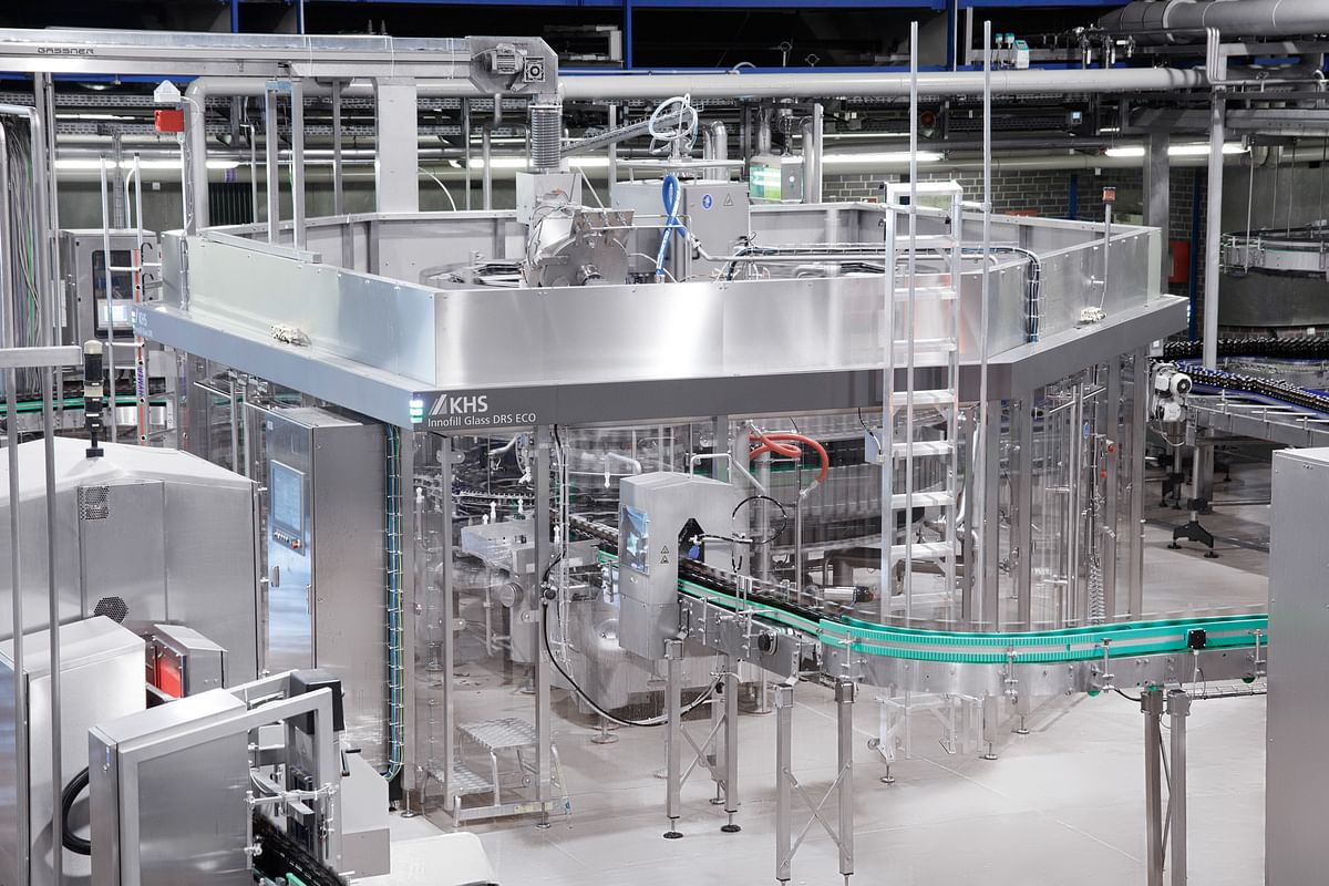 """<div class=""""paragraphs""""><p>KHS first presented the Innofill Glass DRS ECO to the public in 2019; by the spring of 2021, the bottle filler was up and running at OeTTINGER Brewery.</p></div>"""
