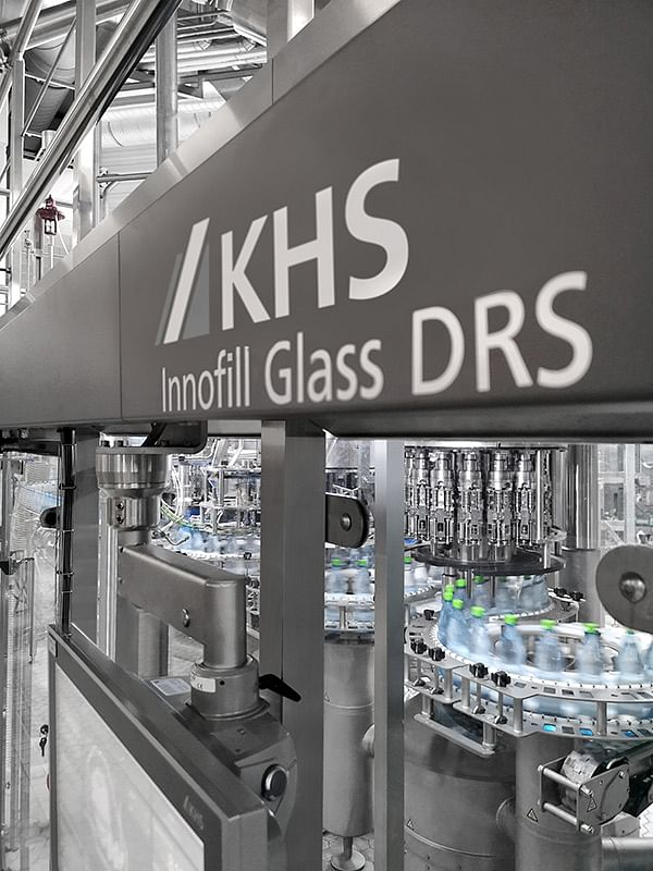 """<div class=""""paragraphs""""><p>In 2019 Bad Meinberger invested in a KHS combined line on which the traditional company can process both glass and PET bottles. The resource-conserving Innofill Glass DRS forms the heart of the new system.</p></div>"""