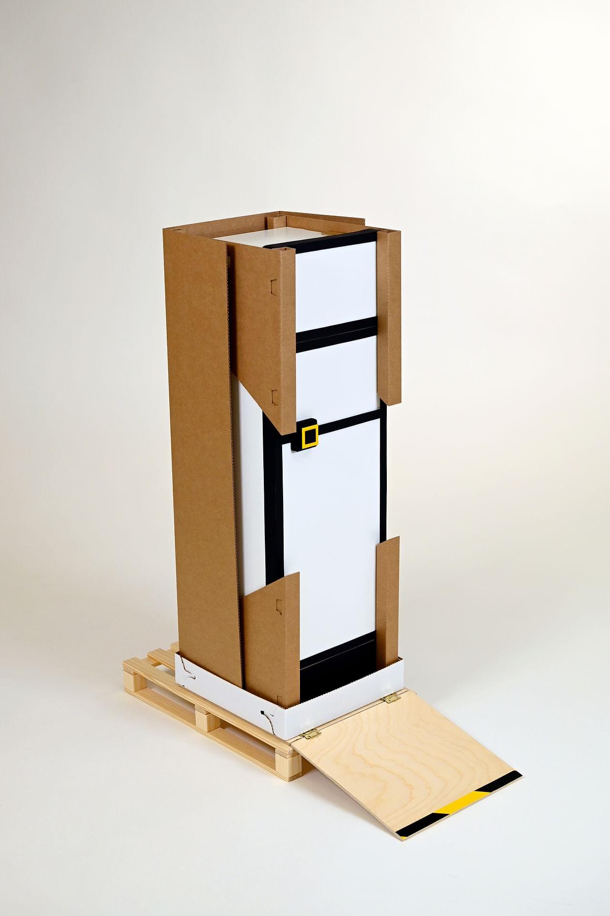 "<div class=""paragraphs""><p>Packaging for intelligent fridge</p></div>"