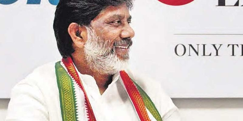 Telangana Congress leader calls off fast over merger row