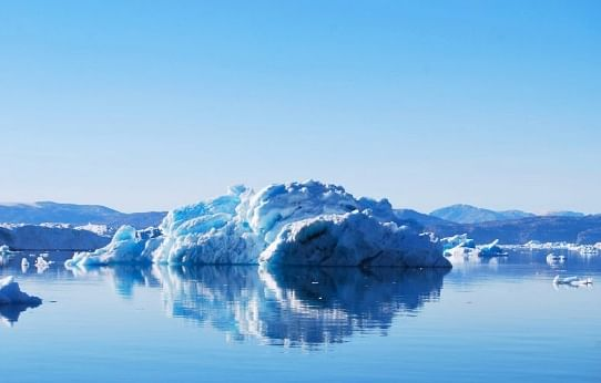 Greenland loses over 2 billion tonnes of ice in a day