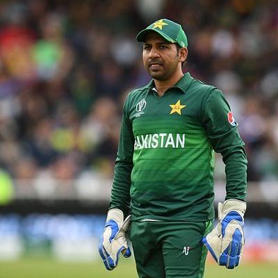 Caught on camera: Sarfaraz Ahmed gets body-shamed by Pakistani fan