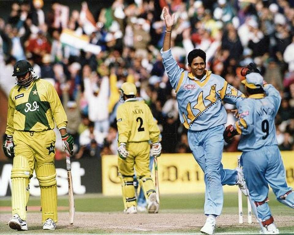 Venkatesh Prasad after taking a 5 wicket haul against Pakistan in 1999 World Cup