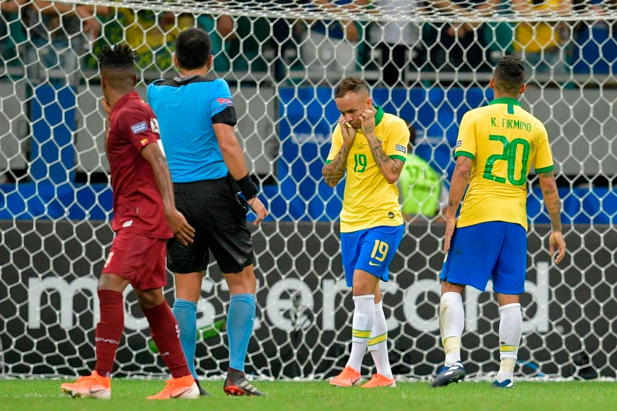 Brazil draw with Venezuela in Copa America tie
