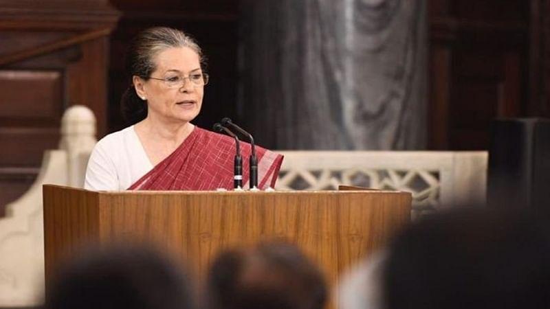 Congress leaders meet in Rahul's absence to resolve leadership decision in Lok Sabha