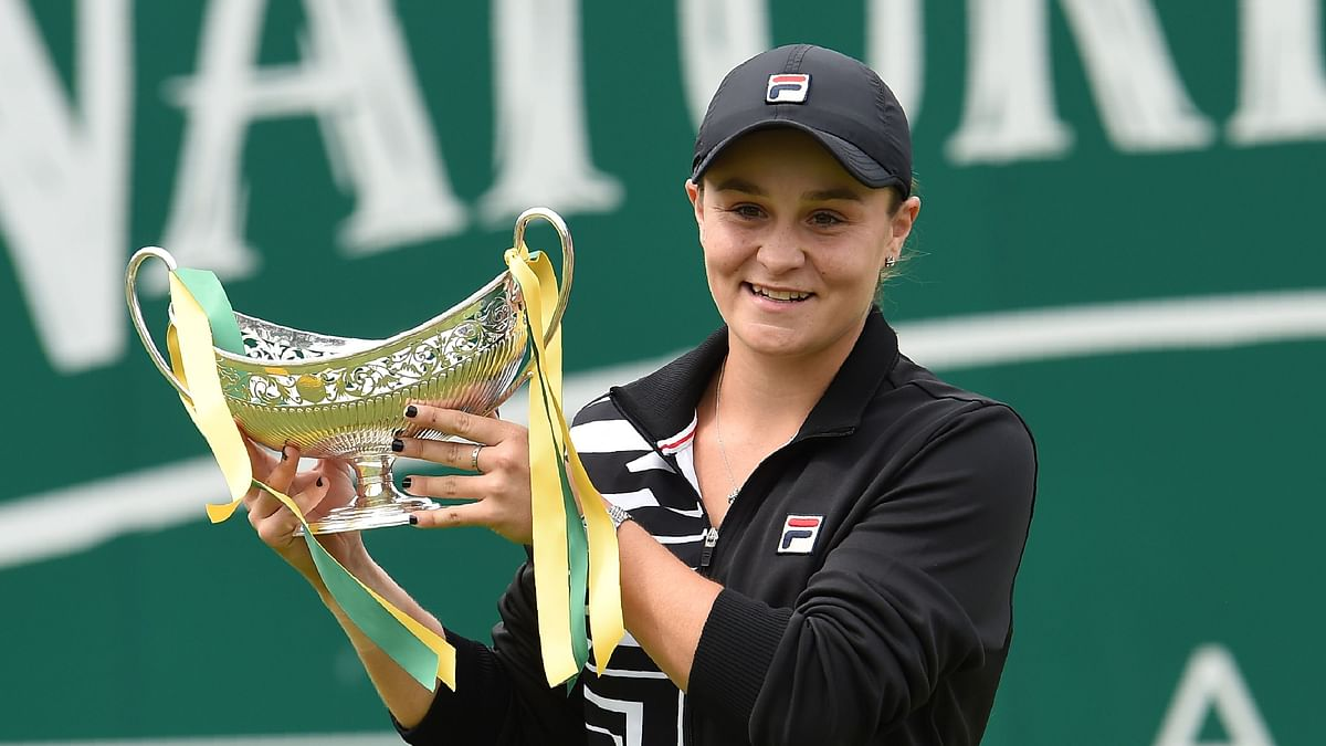 Ash Barty dethrones Naomi Osaka to claim top ranking