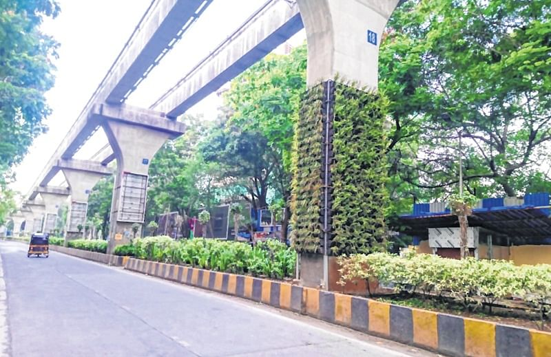 Private builder beautifies monorail structure, MMRDA unaware