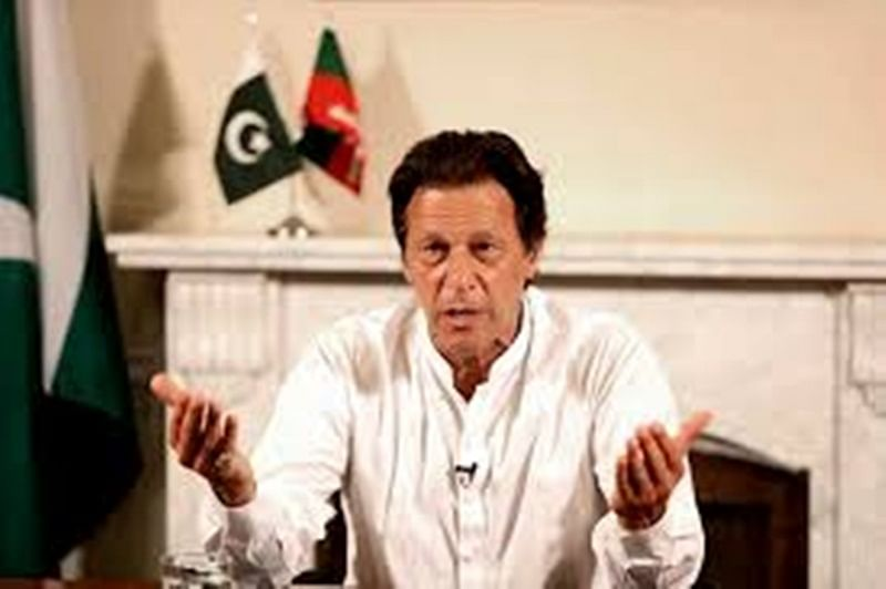 Imran Khan vows to go after 'thieves' responsible for Pakistan eco woes