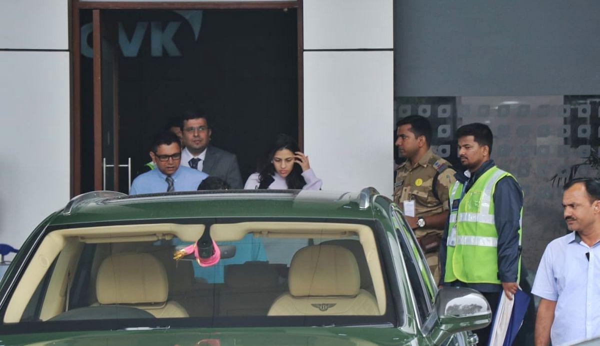 Akash Ambani, Shloka Mehta's pick up ride at Mumbai airport is a Bentley worth Rs 4 Crore!