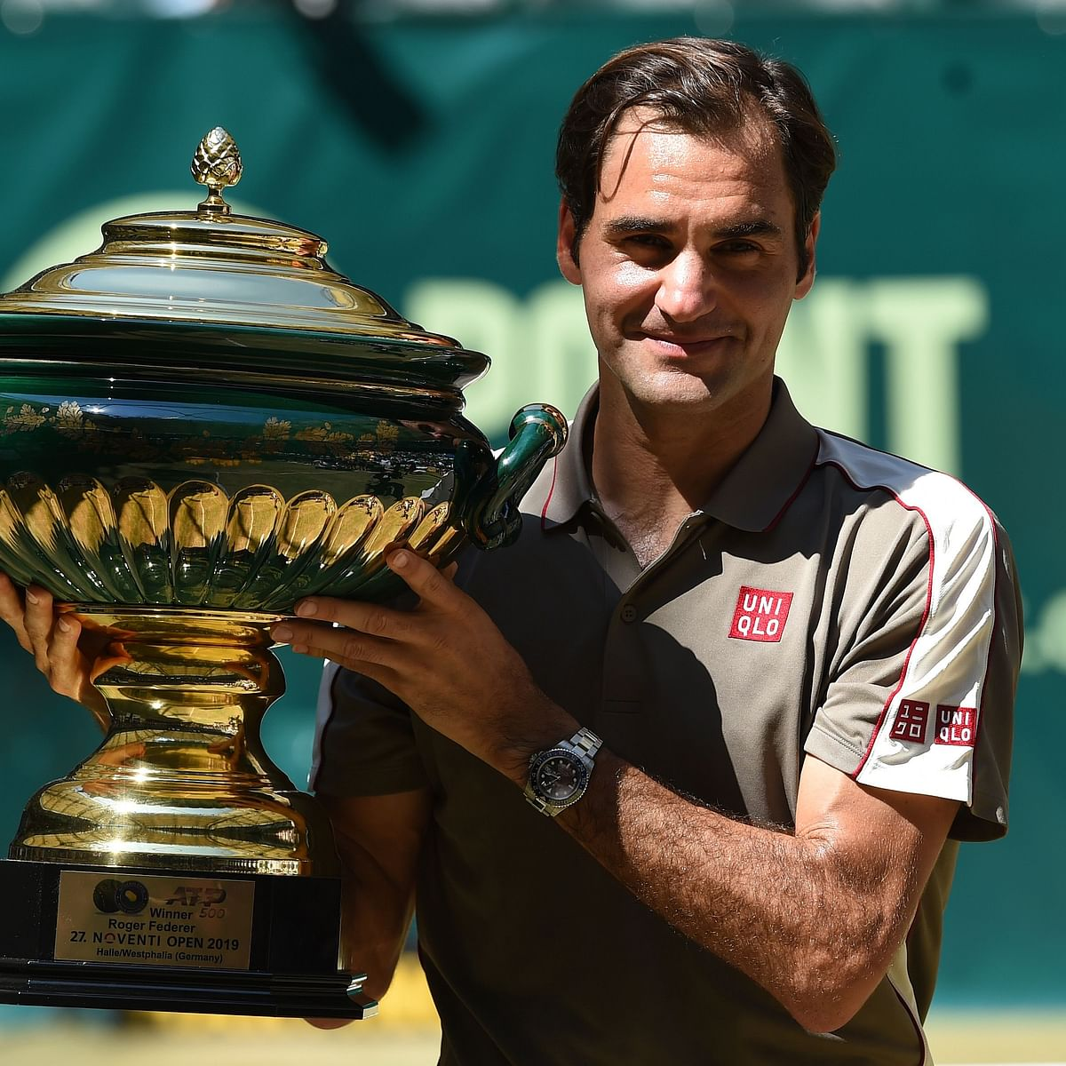 Roger Federer wins 10th Halle title, pursues 9th Wimbledon victory