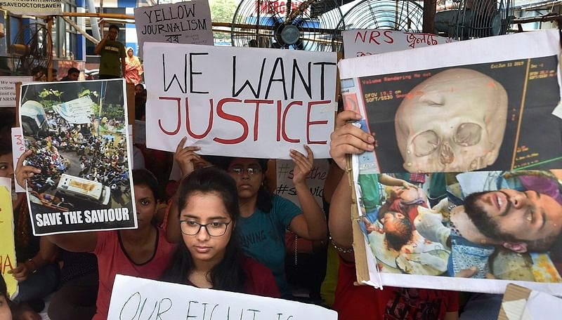 West Bengal doctors' strike continues as medicos reject Mamata Banerjee's ultimatum