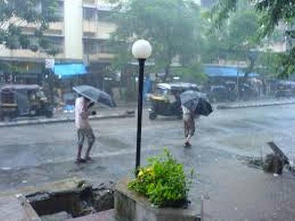 Delhi, Mumbai to receive light rains today: IMD