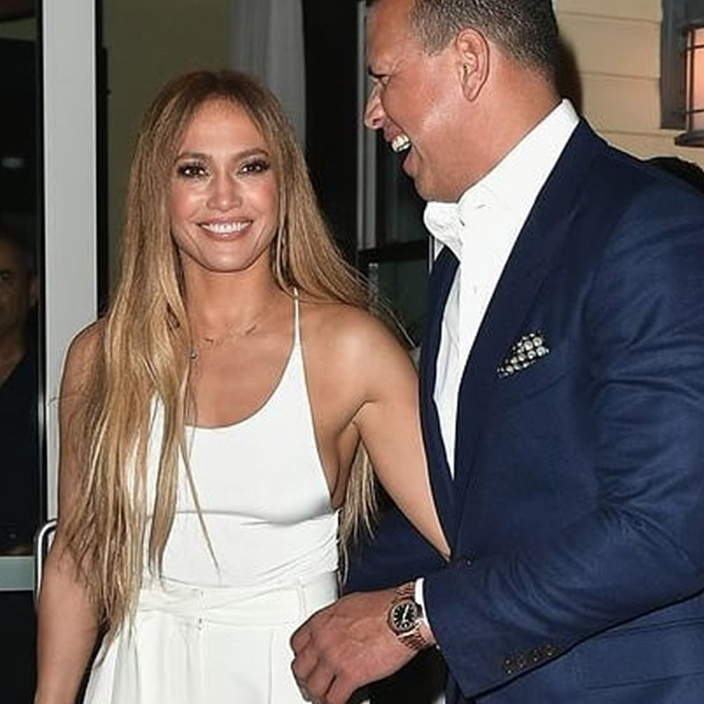 Alex Rodriguez consoles Jennifer Lopez, turns down rumours of tensions