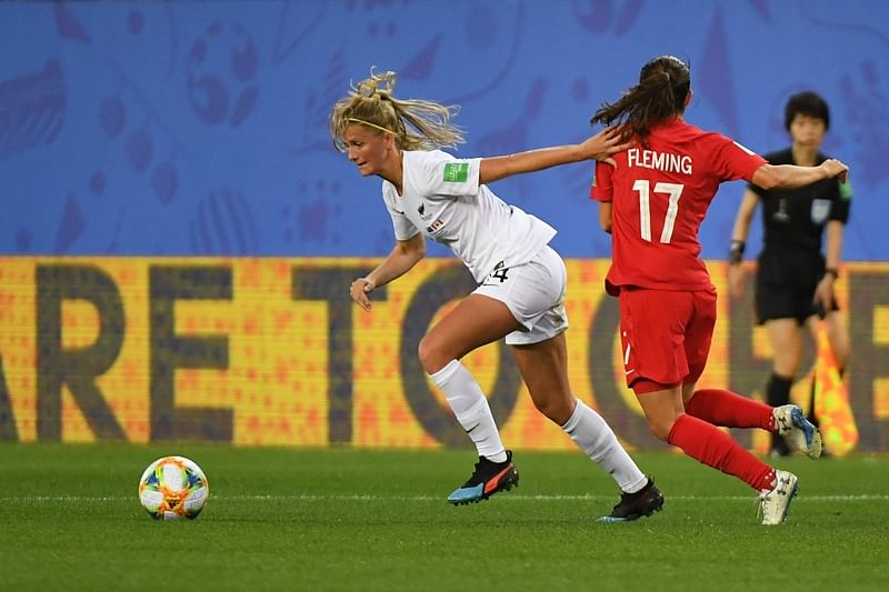 Women's football World Cup 2019: Canada clip Kiwis wings