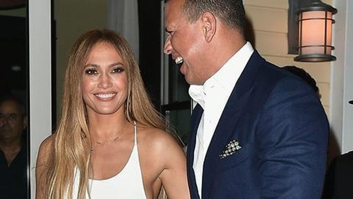 Jennifer Lopez receives adorable birthday wish from fiance Alex Rodriguez