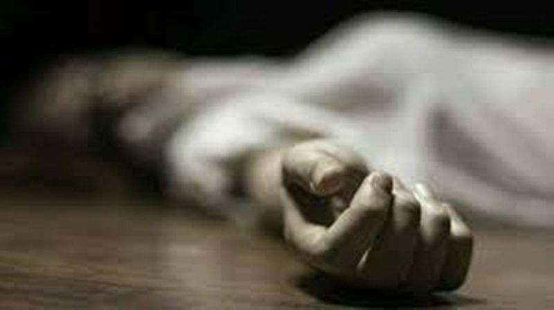 Woman attacks hubby with axe, jumps to death in river